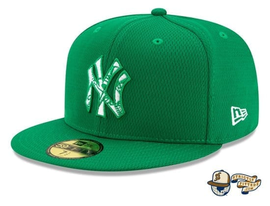 St. Patrick's Day 2020 On Field 59Fifty Fitted Hat by MLB x New Era flag side