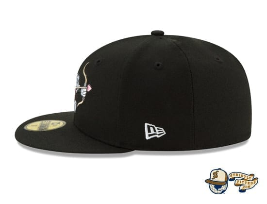 Mickey Mouse Bow And Arrow Black 59Fifty Fitted Cap by Disney x New Era flag side