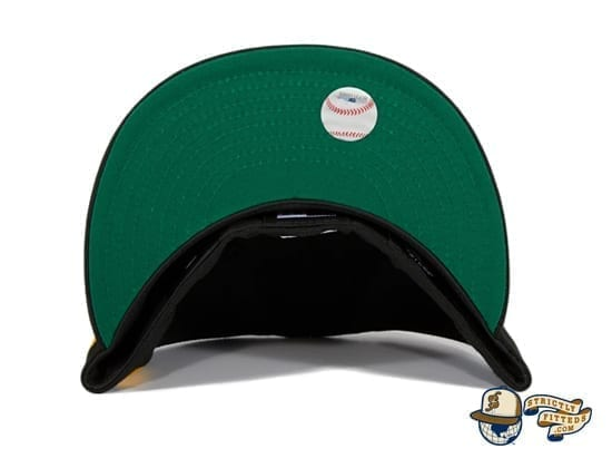 Hat Club Exclusive Oakland Athletics Oakland Flag 59Fifty Fitted Hat by MLB x New Era green undervisor