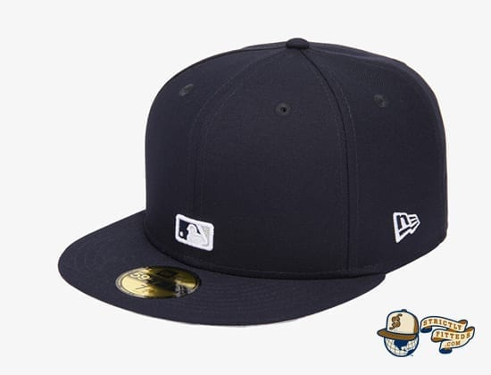 Reverse Logo 59Fifty Fitted Cap Collection by MLB x New Era flag side