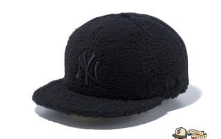 New York Yankees Boa Fleece 59Fifty Fitted Cap by MLB x New Era