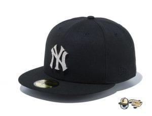 New York Yankees Rhinestone Badge 59Fifty Fitted Cap by MLB x New Era Black