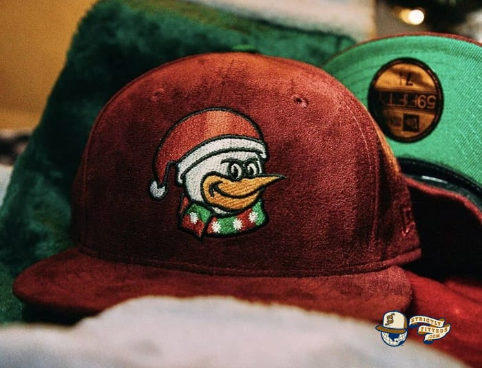 Santa Goose Island Bombers 59Fifty Fitted Hat by Dionic x New Era