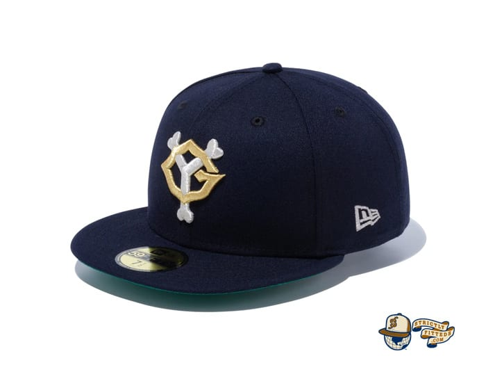Yomiuri Giants Navy Metallic Silver 59Fifty Fitted Cap by NPB x New Era